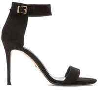 Betty Heel in Black