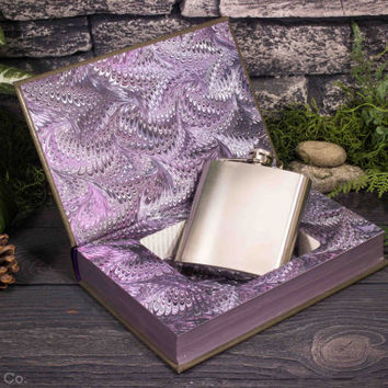 Hollow Book Safe & Hip Flask - Wuthering Heights (LEATHERBOUND)