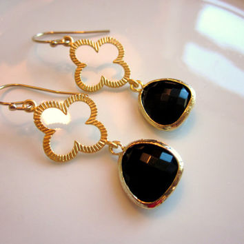 Black Earrings Gold Clover - Bridesmaid Earrings - Bridal Earrings - Wedding Earrings - Valentines Day Gift