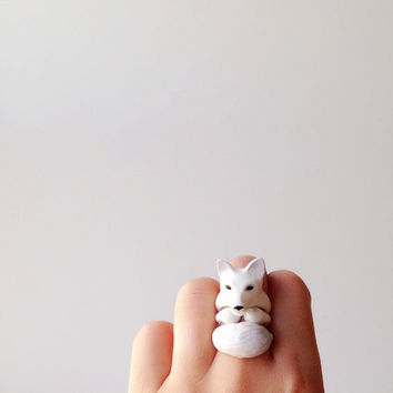 daintyme Enamel White Snow Fox 3-piece Ring Set
