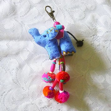 Elephant keychain pom pom Mixed color Beaded key chain cute keyring gift