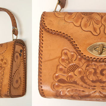 70s Tooled Leather Purse | Tan Leather Western Roses Paislies Whipstitch | Retro Hippie Boho Leather Handbag | Ethnic Mexican Southwestern