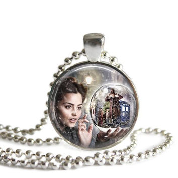 Doctor Who Necklace Clara in The Snowmen