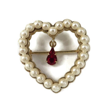 AVON Brooch Faux Pearl Heart Brooch Vintage Pin Dangling Rhinestone Heart Pin 1980s Jewelry