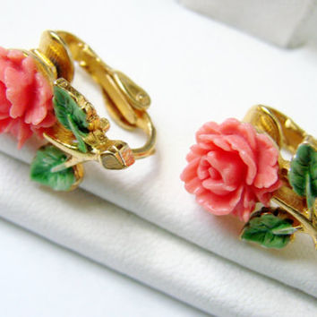 Vintage Carved Coral Celluloid Enamel Clip Earrings / Coral Celluloid / Green Enamel / Goldtone / Jewelry / Jewellery