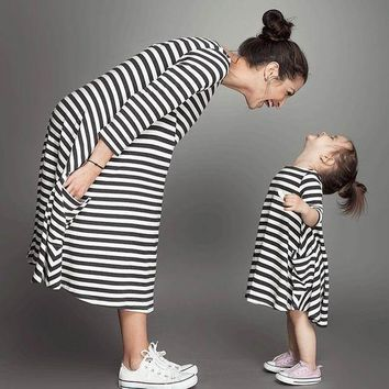 CREYL 2016 New Girl Dresses Black White Stripe Casual Dresses Mother and daughter Cotton Dress 2-5T 10234