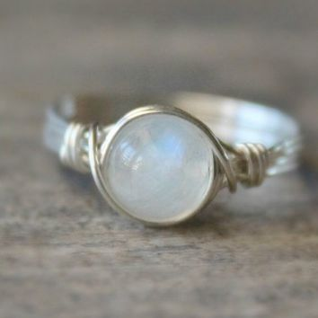 Womens Beautiful .925 Sterling Silver Ring -  Rainbow Moonstone Ring