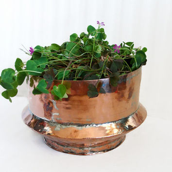 Primitive vintage COPPER bowl, 2 lbs hand wrought hammered planter, Geometric ANGLE design, Home decor, Centerpiece, Patio porch plant pot