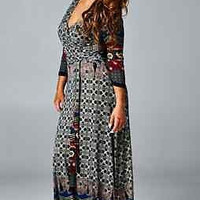 Tua-- Maxi Plus Size Paisley Border Dress