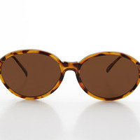 Women's Large Oval Glamour Vintage Sunglass Black or Brown Tortoiseshell  - Alma
