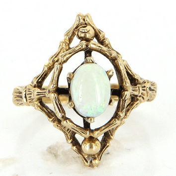 Vintage 14 Karat Yellow Gold Opal Bamboo Cocktail Ring Fine Estate Jewelry