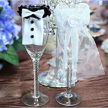 Fashion Bride & Groom Tux Bridal Veil Wedding Party Toasting Wine Glasses Decor 2 PCS = 1929406532