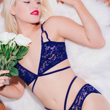 Nicola Lace Set in Midnight