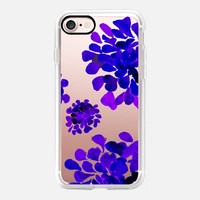 dark purple flowers iPhone 7 Carcasa by Marianna | Casetify