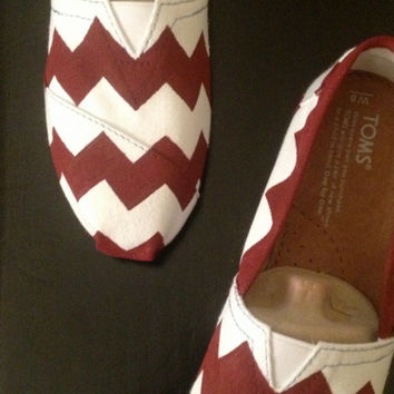 White Canvas TOMS w/ Maroon Chevron Design