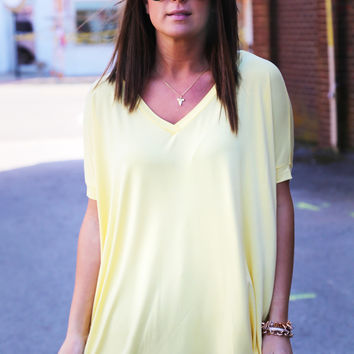 Yellow Short Sleeve V-Neck Piko