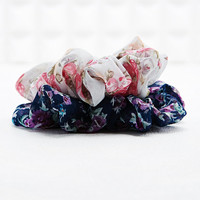 Vintage Renewal Scrunchies in Floral - Urban Outfitters