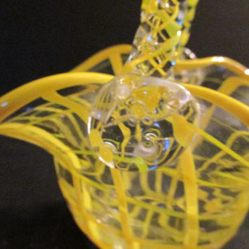 Hand-blown glass basket fuses yellow weave basket- pattern, lattinio tecnique, Vintage