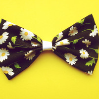 Loose Daisies Hair Bow/Bow Tie