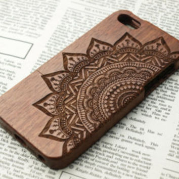Custom mandala wood iPhone 5s Case.Wood iPhone 6 Case.wood iPhone 6 plus Case.Wood iPhone 5 Case.iPhone 5c Case Wood.wood iphone 4s case