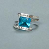 Fashion Jewelry Fire Blue Topaz Silver Ring (SIZE 8)