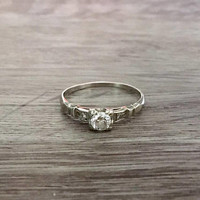 Vintage Art Deco Diamond Engagement Ring in 18k White Gold, Old European Diamond G VS1, 0.28 Carat total, Size 7.5 (ring sizing available)