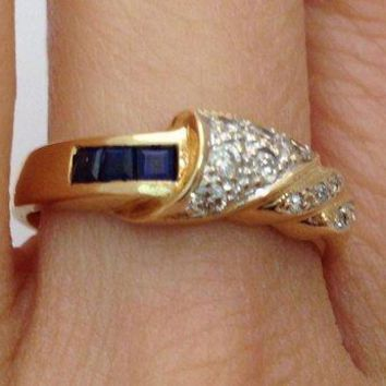 Blue Sapphires and Diamonds Ring - 14K Yellow Gold