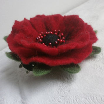 Felt brooch,poppy red felt flower brooch,green blach felt brooch flower,women  felt jewerly, red brooch, felt flower,scarf,hat,pins jewelry