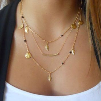 ONETOW Fashion crystal sequins leaves necklace temperament trend multi - layer metal chain - locked chain necklace
