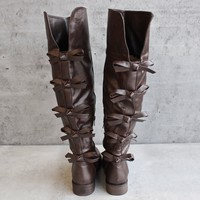 bow back vegan leather boots - brown