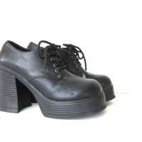 Vintage 90s Goth black platform shoes. women's size 9