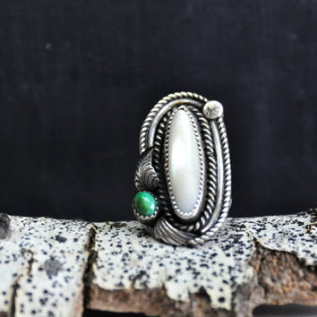 Vintage Native American Navajo Spampson Yazzie Sterling Silver, Mother of Pearl, and Malachite Ring