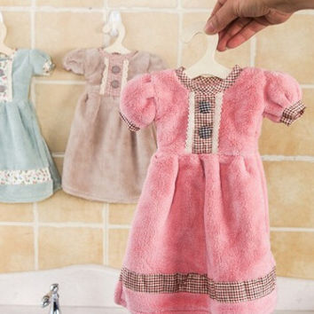 New Creative Lovely Princess Skirt Dress Hand Towel Cute Absorbent Kids Bathroom Towel With Hanging Hook