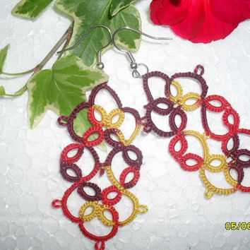 Handmade tatted earrings made of cotton thread