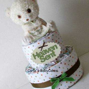 Neutral 2 layer diaper cake, Baby Shower Diaper Cake, New baby gift, New mom gift, Mom to be Gift, Teddy Bear Diaper Cake, Baby Shower Deco
