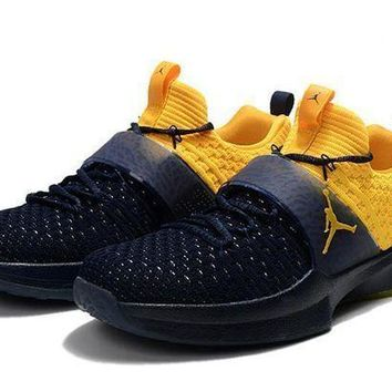 NIKE basketball shoes Jordan trained shoe 2 dark blue yellow