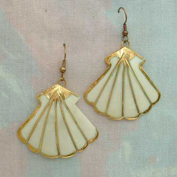 Shell Dangle Enameled Earrings Gold Gilt French Wires Vintage Jewelry