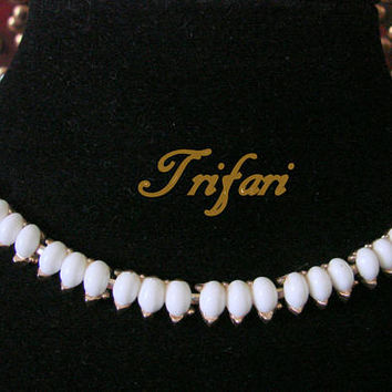 Classic Vintage Trifari White Lucite Choker Necklace / Goldtone / Designer Signed / 1950s 1960s Jewelry / Jewellery