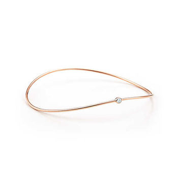 Tiffany & Co. - Elsa Peretti®:Wave Single-row Bangle