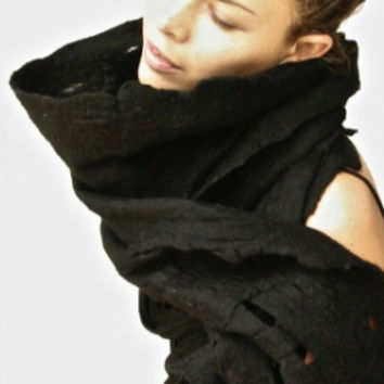 Taiana Hand Felted Scarf / 100% Wool