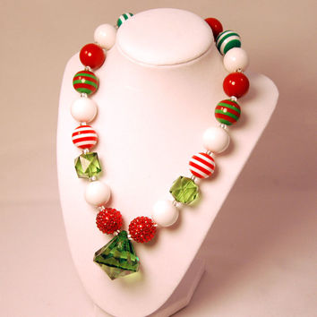 Christmas Necklace Girls Boutique necklace Chunky Beaded Necklace infant and baby necklace Red and Green