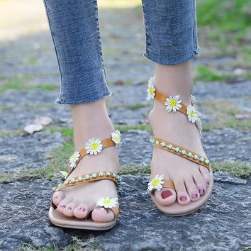 Women's Daisy Sandal Flats with Flowers