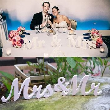 Fashion Decoration Party PVC  Mrs & Mr Table Decor Solid Wooden Letters Wedding Reception Sign