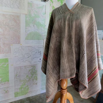 Old Andes Indian Northern Aymara  Peppered Poncho Sheep Llama Wool Boho Festival wear