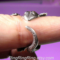 Antiqued silver ring Adjustable Gecko lizard ring by RingRingRing