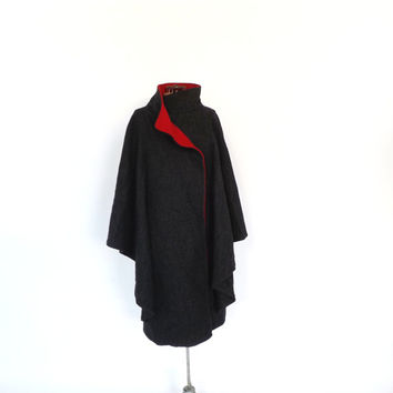 Vintage 1970s 80s Charcoal Gray Red Wool Cape Coat Large Winter Cloak Formal Winter Overcoat Mad Men Jacket Fairy Tale Boho Couture Mod