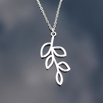 Clavicle Leaf Statement Pendant Necklace For Women