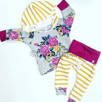 Baby clothing / baby girl outfit / floral print / baby girl clothes / newborn girl outfit / cute baby clothes / toddler girl outfit / floral