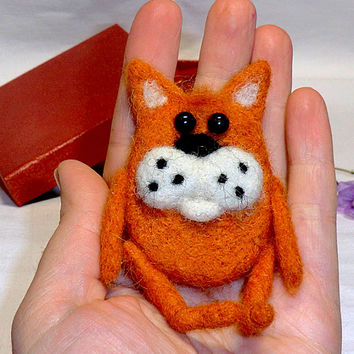 Cat Brooch Needle felted brooch Brooch felted Brooches and pins Handmade brooch Felt products Felt brooches Felt animals