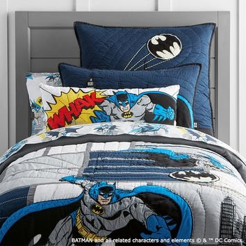 BATMAN™ Cityscape Quilted Bedding